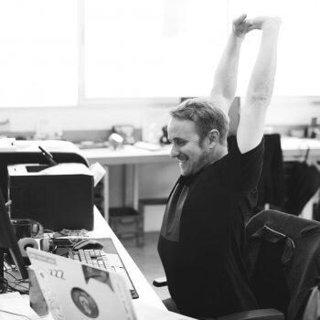 Rücken- und Nackenübungen für den Arbeitsplatz