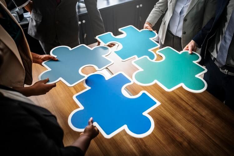 Unternehmenserweiterung und Organisationsstruktur